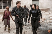 the-hunger-games-mockingjay-part-1-gale-and-katniss